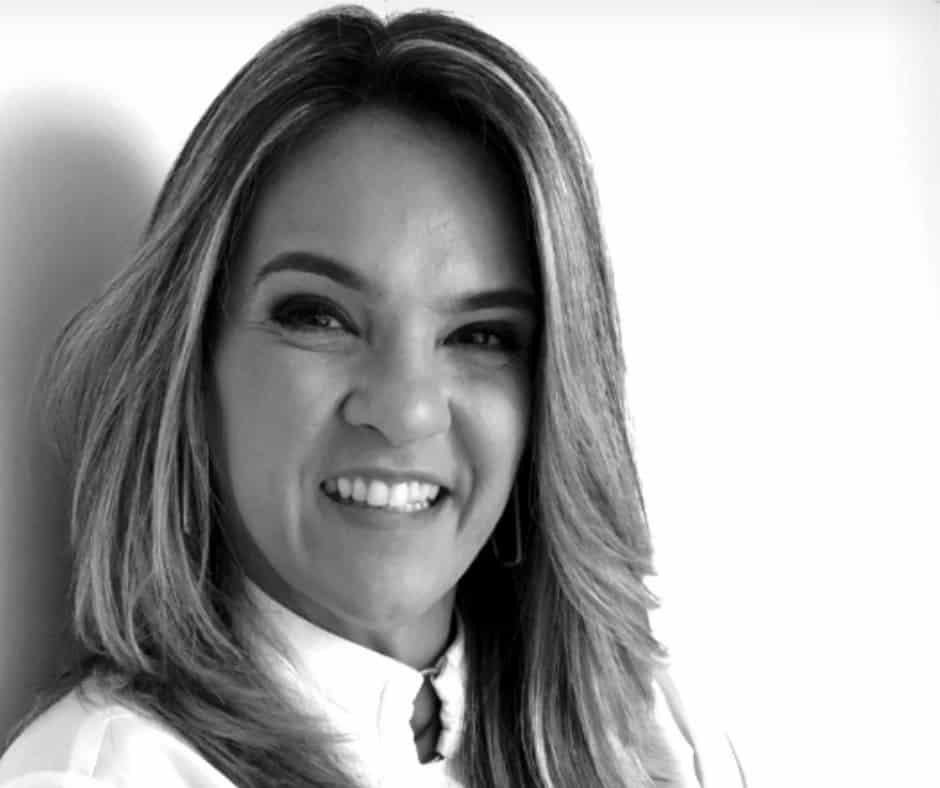 Dra. Flávia Menezes